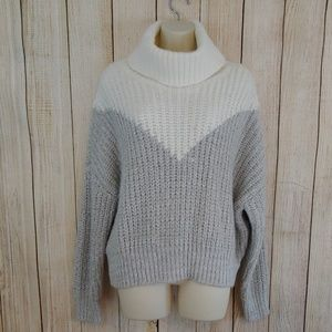 Romeo + Juliet couture chunky knit sweater